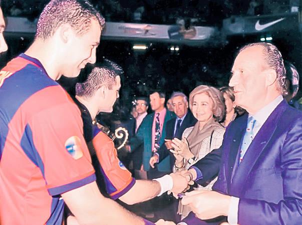 Alexandru Dedu - Felicitat de Regele Juan Carlos al Spaniei in 1988 dupa castigarea Ligii Campionilor